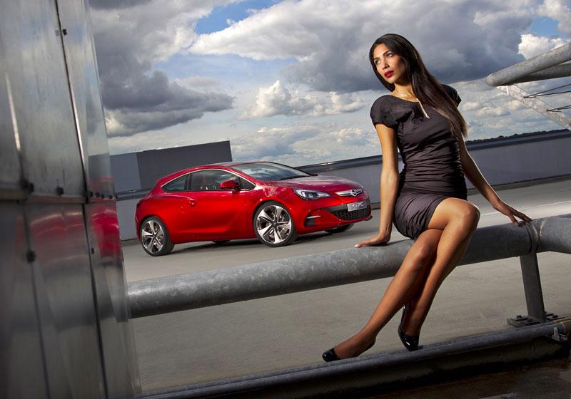 Opel Astra GTC Paris: velká fotogalerie a podrobnější info: - fotka 17