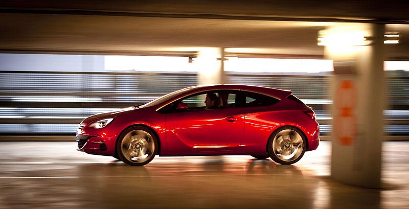 Opel Astra GTC Paris: velká fotogalerie a podrobnější info: - fotka 29