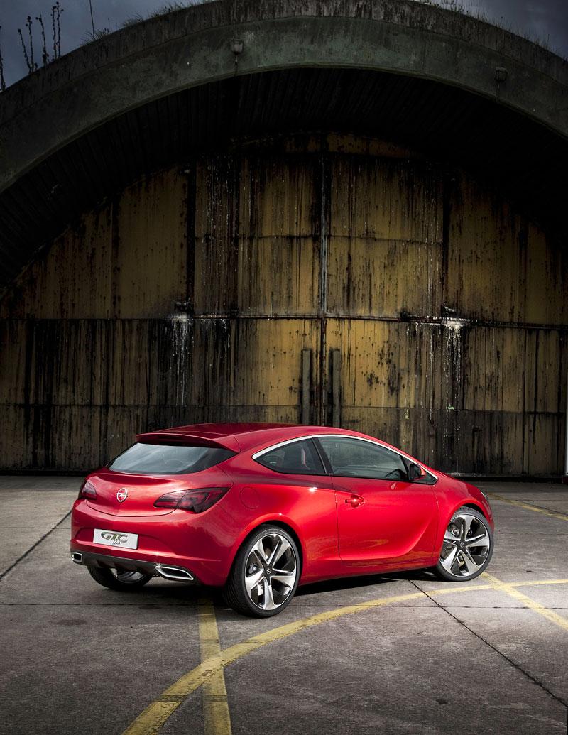 Opel Astra GTC Paris: velká fotogalerie a podrobnější info: - fotka 33