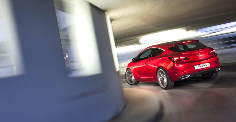 Opel Astra GTC Paris: velká fotogalerie a podrobnější info: - fotka 36