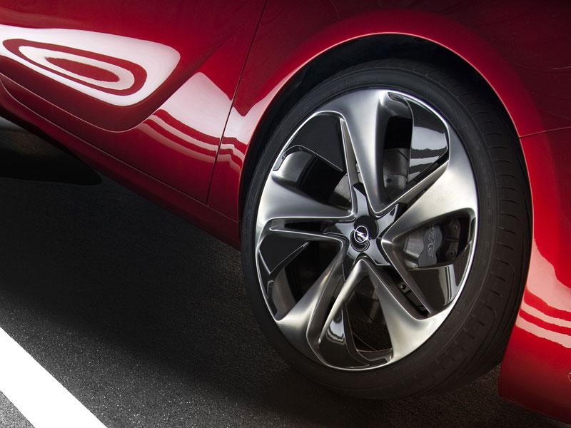 Opel Astra GTC Paris: velká fotogalerie a podrobnější info: - fotka 45