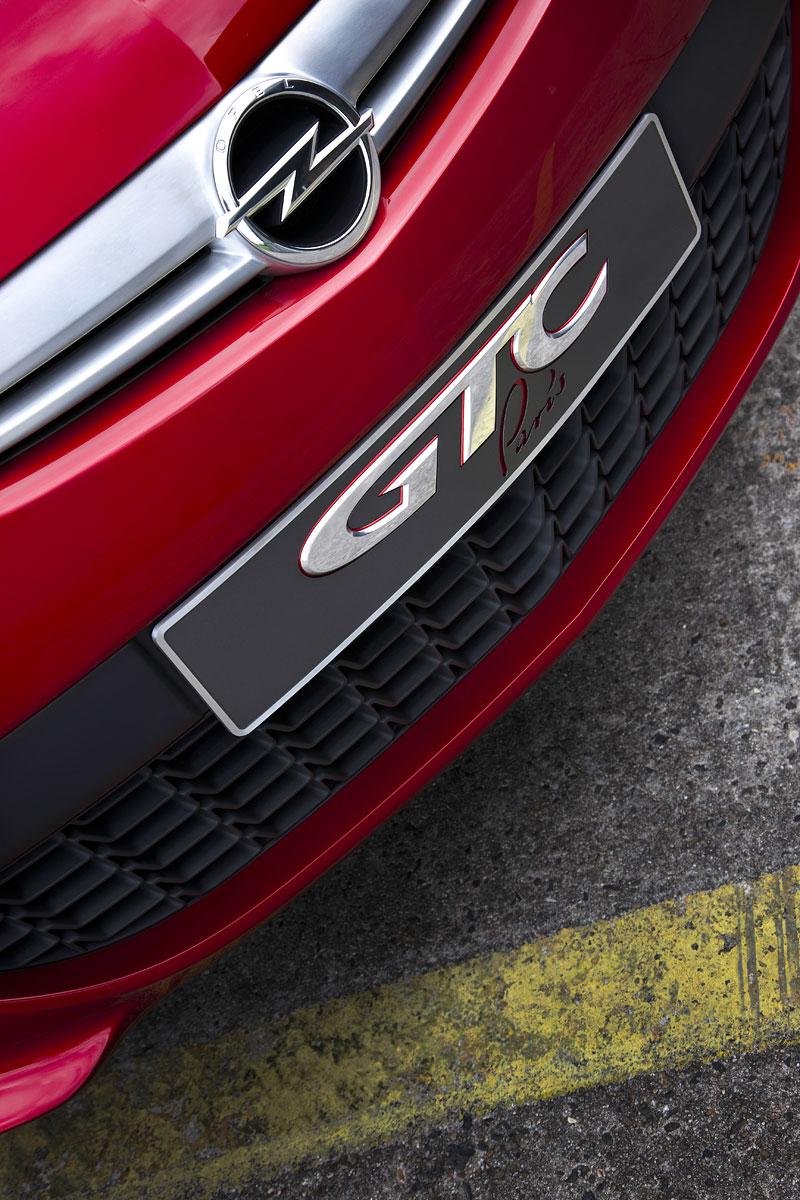Opel Astra GTC Paris: velká fotogalerie a podrobnější info: - fotka 51