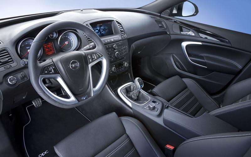 Opel Insignia Sports Tourer OPC: další upalující stěhovák: - fotka 14