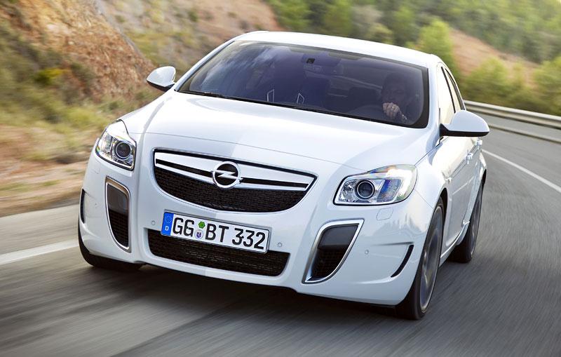 Opel Insignia Sports Tourer OPC: další upalující stěhovák: - fotka 21