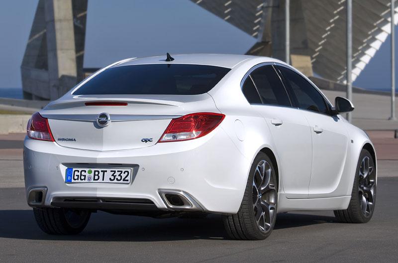 Opel Insignia Sports Tourer OPC: další upalující stěhovák: - fotka 25