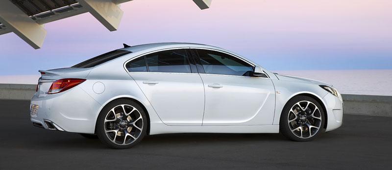 Opel Insignia Sports Tourer OPC: další upalující stěhovák: - fotka 26