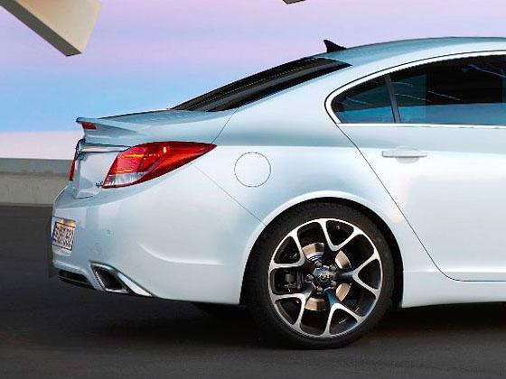 Opel Insignia Sports Tourer OPC: další upalující stěhovák: - fotka 32