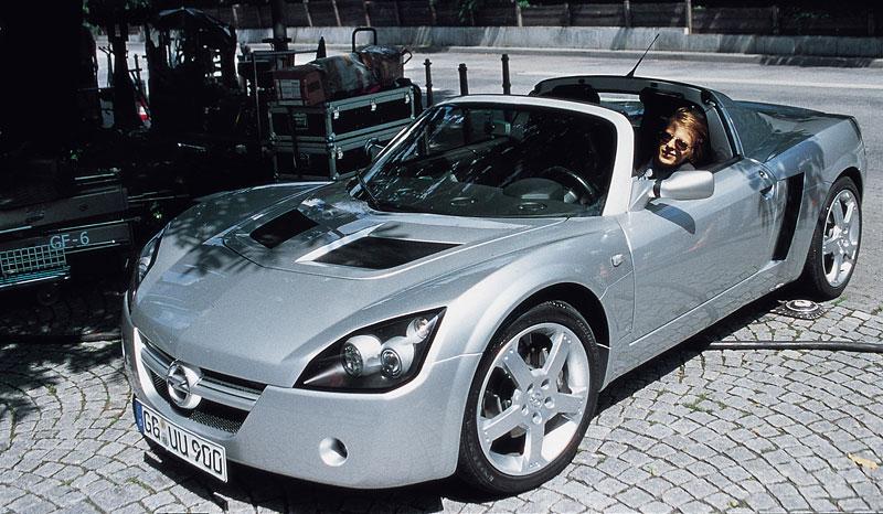 Pod lupou: Opel Speedster – Blesk nízko nad zemí: - fotka 10