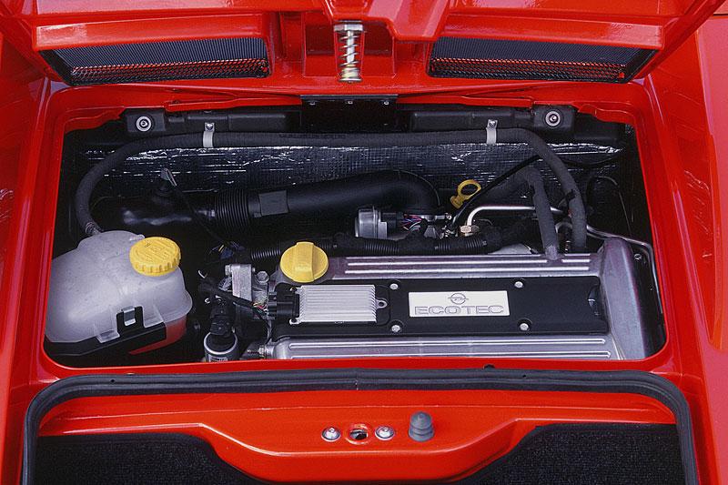 Pod lupou: Opel Speedster – Blesk nízko nad zemí: - fotka 29