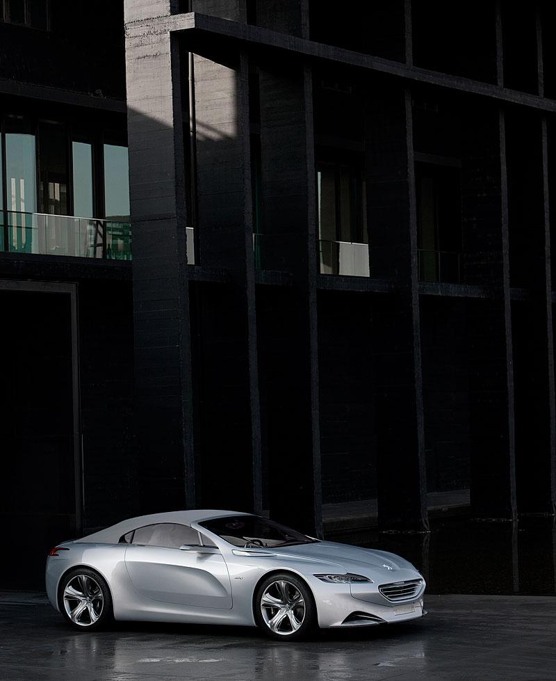 Koncept SR1: nová image Peugeotu přichází: - fotka 11