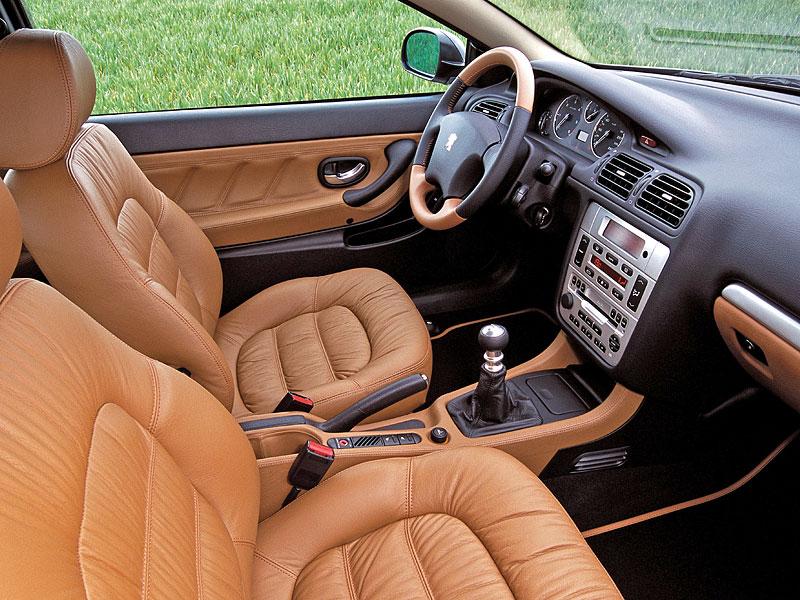 6 kupé s motorem V6 z devadesátek, která by vám měla zdobit garáž: - fotka 61