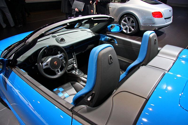 Paříž 2010 živě: Porsche 911 Speedster: - fotka 1