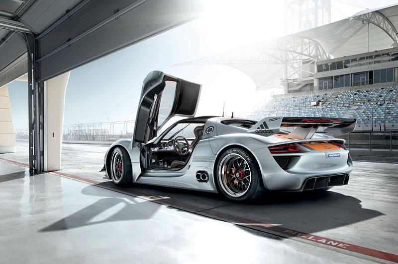 Detroit 2011: Porsche 918 RSR: hybridní závoďák se představuje: - fotka 18