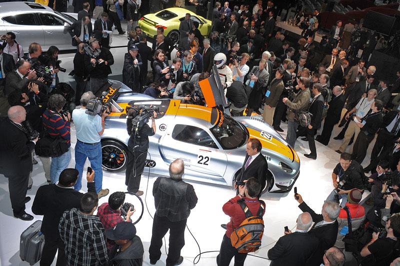 Detroit 2011: Porsche 918 RSR: hybridní závoďák se představuje: - fotka 42