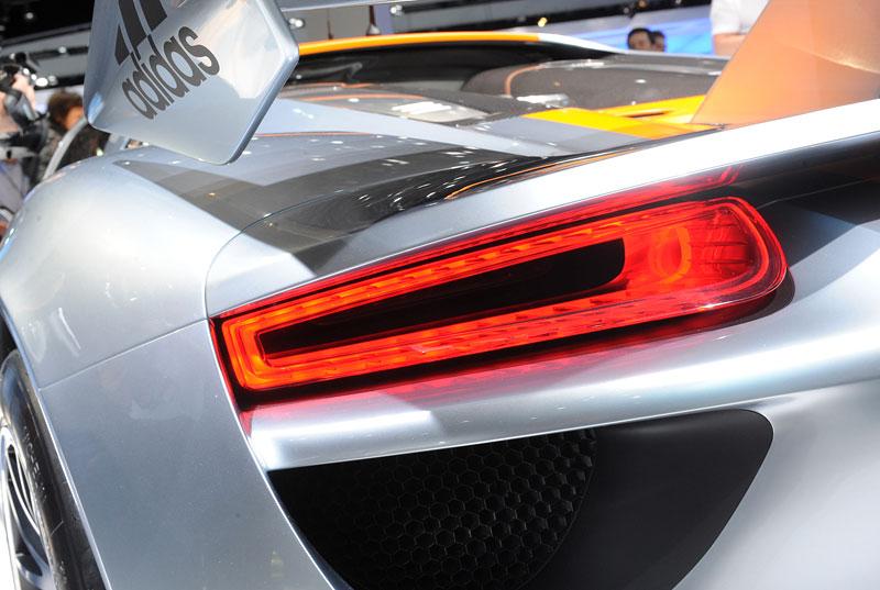 Detroit 2011: Porsche 918 RSR: hybridní závoďák se představuje: - fotka 48
