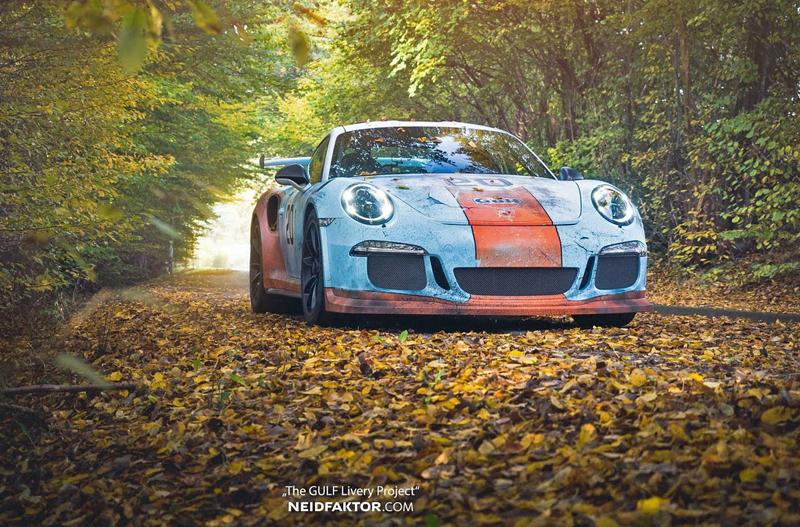 Porsche 911 GT3 RS se převléklo do barev Gulfu a zrezlo. Ale jenom naoko!: - fotka 1