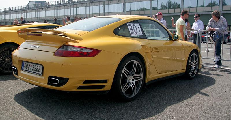Klub sportovních aut pokřtil asfalt Automotodromu Brno: - fotka 92