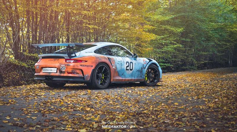 Porsche 911 GT3 RS se převléklo do barev Gulfu a zrezlo. Ale jenom naoko!: - fotka 3
