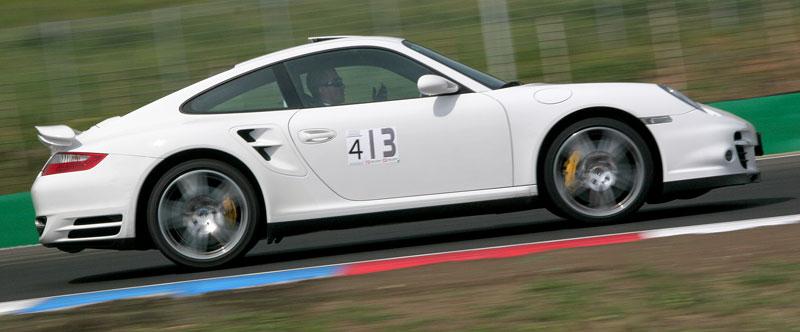 Klub sportovních aut pokřtil asfalt Automotodromu Brno: - fotka 103