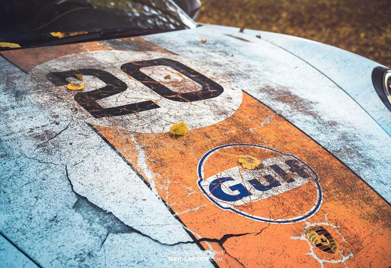 Porsche 911 GT3 RS se převléklo do barev Gulfu a zrezlo. Ale jenom naoko!: - fotka 7