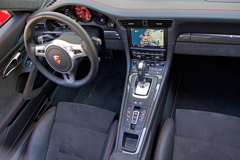 Test: Porsche 911 Carrera 4 GTS – Srdeční záležitost: - fotka 8