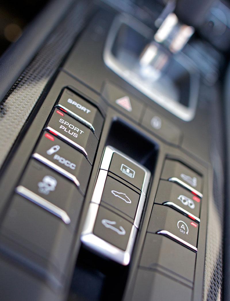 Test: Porsche 911 Carrera 4 GTS – Srdeční záležitost: - fotka 13