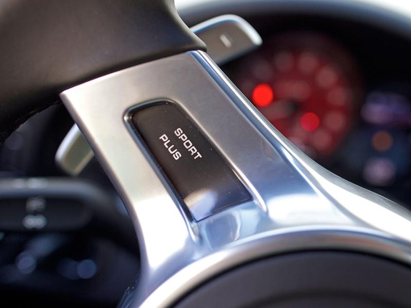 Test: Porsche 911 Carrera 4 GTS – Srdeční záležitost: - fotka 17