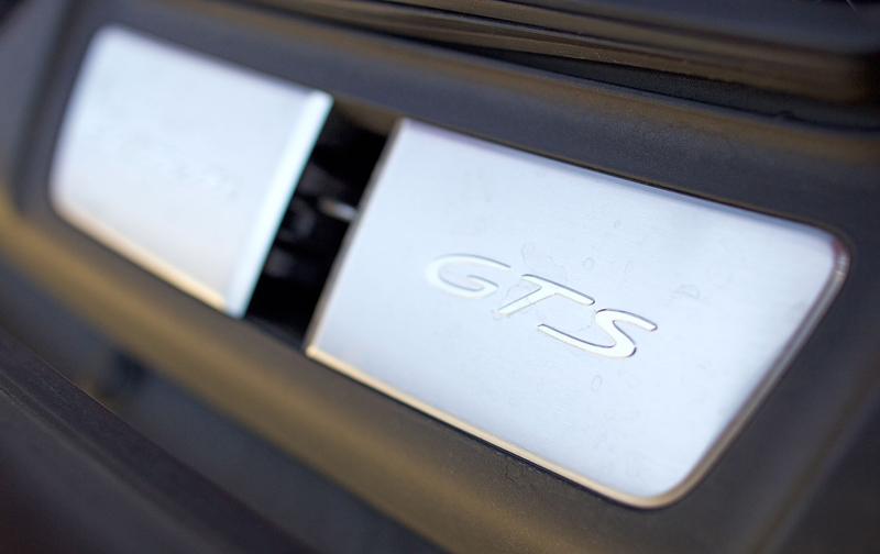 Test: Porsche 911 Carrera 4 GTS – Srdeční záležitost: - fotka 26