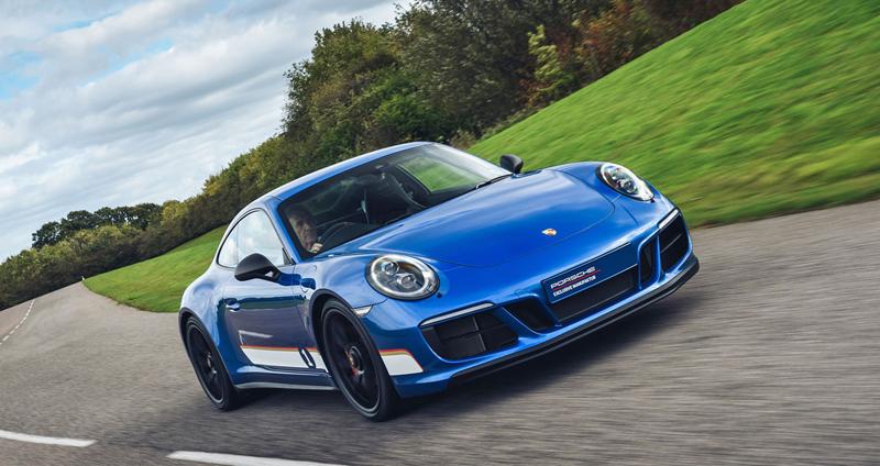 Porsche 911 Carrera 4 GTS British Legends Edition v barvách slavných vítězů z Le Mans: - fotka 11