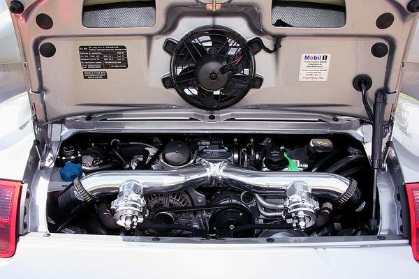 Switzer GT2 R911S: odpověď na tovární 911 GT2 RS: - fotka 12