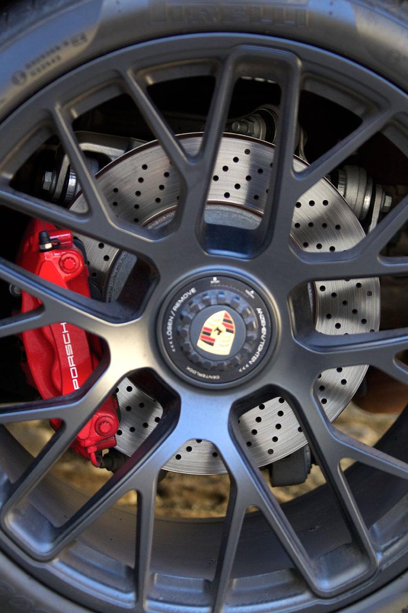 Test: Porsche 911 Carrera 4 GTS – Srdeční záležitost: - fotka 69