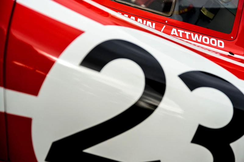 Porsche 911 Carrera 4 GTS British Legends Edition v barvách slavných vítězů z Le Mans: - fotka 13