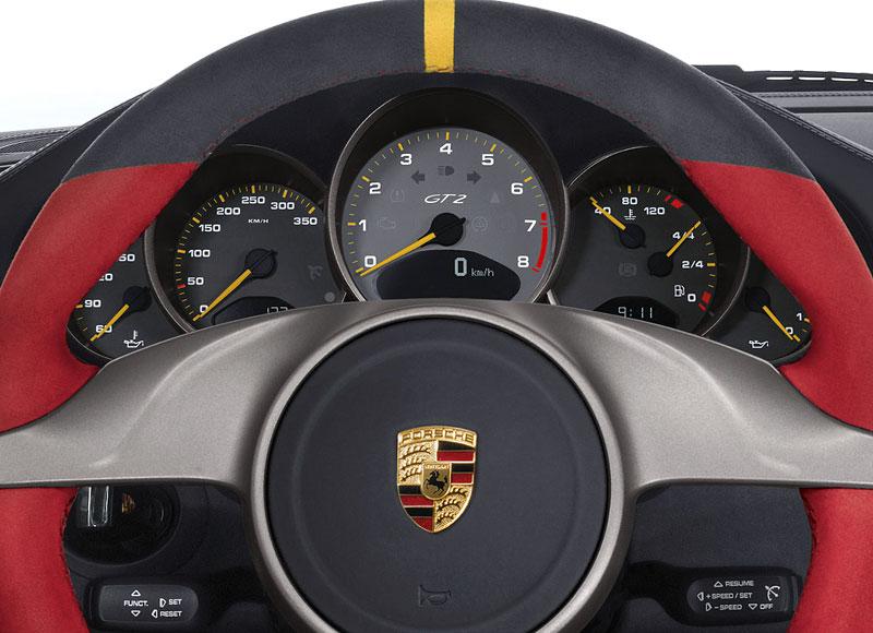 Porsche 911 GT2 RS: první oficiální fotky a informace: - fotka 2