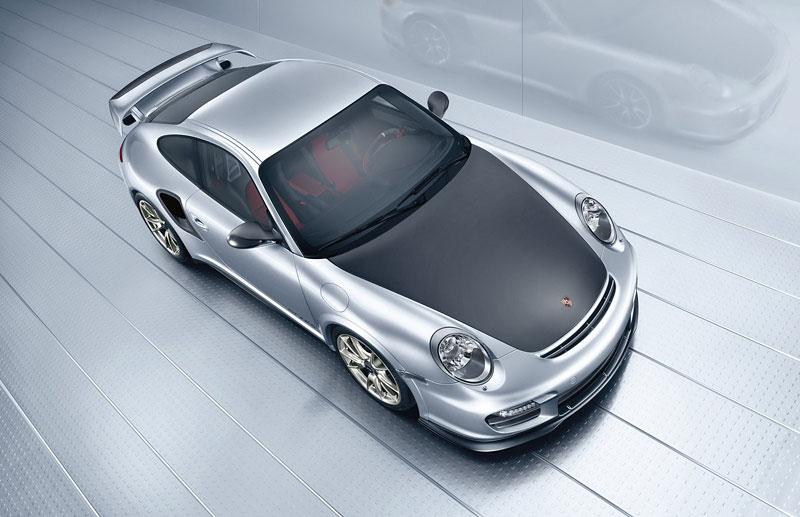 Porsche 911 GT2 RS: první oficiální fotky a informace: - fotka 16