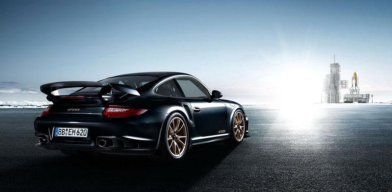 Porsche 911 GT2 RS: první oficiální fotky a informace: - fotka 30
