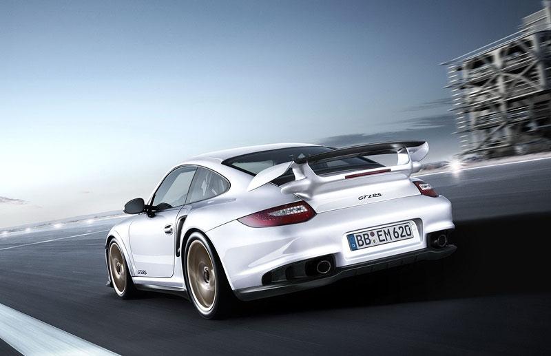 Porsche 911 GT2 RS: první oficiální fotky a informace: - fotka 33