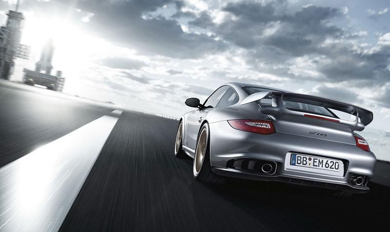Porsche 911 GT2 RS: první oficiální fotky a informace: - fotka 36