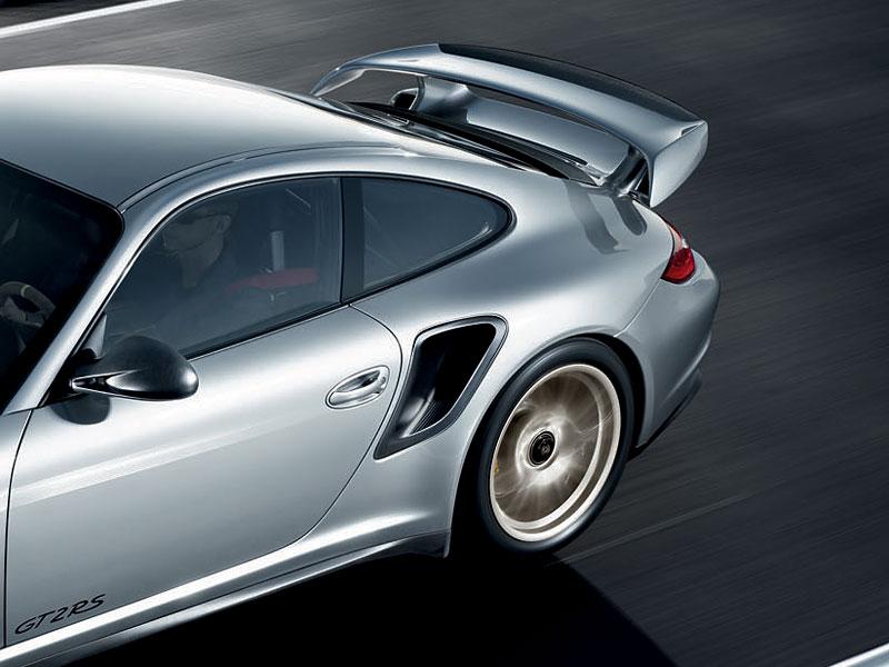 Porsche 911 GT2 RS: první oficiální fotky a informace: - fotka 39