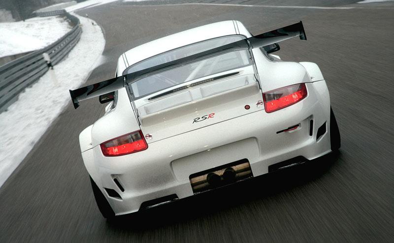 Porsche 911 GT3 RSR: Větší objem a vyšší výkon: - fotka 3