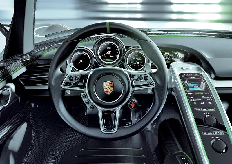 Porsche 918 v Detroitu jako závodní Coupe: - fotka 17
