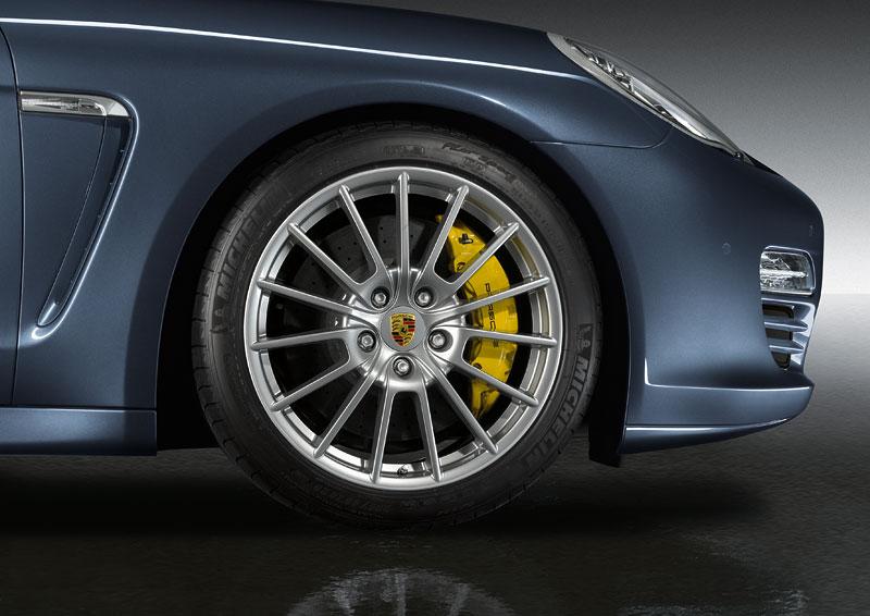 Porsche má nový individualizační program pro liftback Panamera: - fotka 5