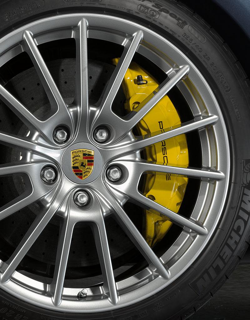 Porsche má nový individualizační program pro liftback Panamera: - fotka 10