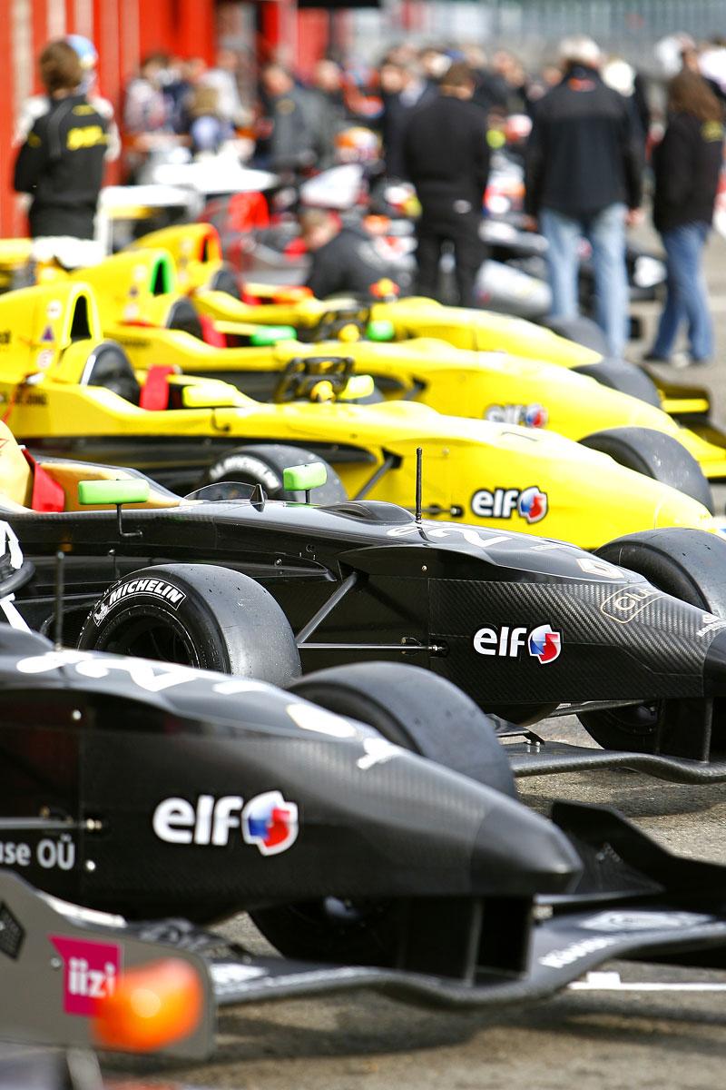 Závodní víkend World Series by Renault míří poprvé do České republiky!: - fotka 14