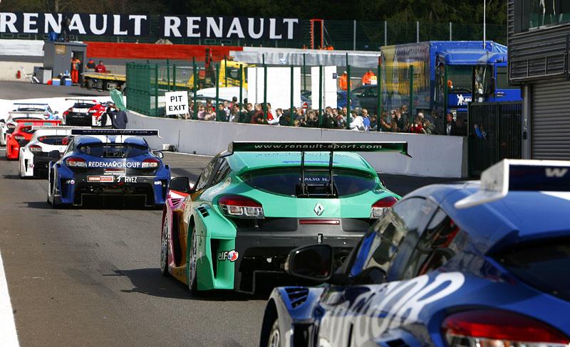 Závodní víkend World Series by Renault míří poprvé do České republiky!: - fotka 31