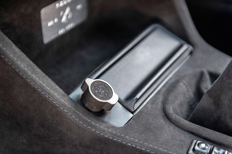 Německá firma vám z BMW E30 M3 udělá prakticky nové auto. Výsledek je úžasný: - fotka 3