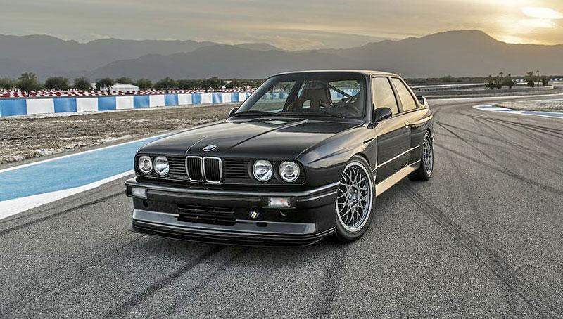 Německá firma vám z BMW E30 M3 udělá prakticky nové auto. Výsledek je úžasný: - fotka 5