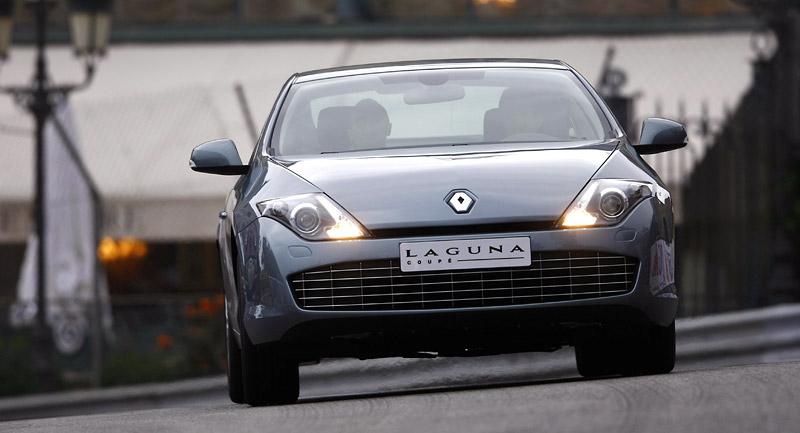 Renault Laguna Coupe přichází na český trh: - fotka 16