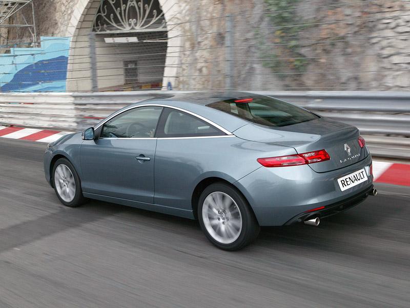 Renault Laguna Coupe přichází na český trh: - fotka 49