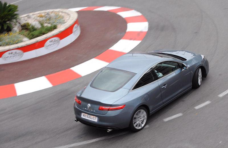 Renault Laguna Coupe přichází na český trh: - fotka 55