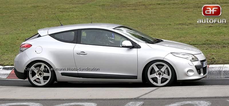 Spy Photos: Megane Coupe Renault Sport: - fotka 6